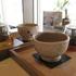 もみの気ハウス京都店。京都のメインストリートを眺めながら、ほっこり足湯が気持ちいい