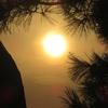 四国から中国に入る秋の夕日