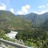 【お出かけ】山をぬって進む旅・ブータンの道路状況