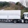 10月9日は「トラックの日」~トラックの緑のランプは何を示す?~
