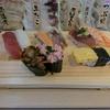回らないけど回るくらいお得な寿司ランチ。【魚がし日本一】
