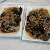香港地元飯、熟食中心:香車街街市(Tsuen Wan) パリパリ豚足(手)、鰻の甘辛ソース、豆腐の唐揚げ塩こしょう風味(和記厨房、香車街街市)