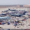 青く高い空を舞う 空軍基地でのエアショー(エドワーズ空軍基地)