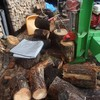 楢の薪割り