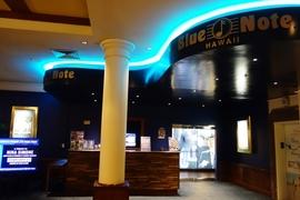 ワイキキのオススメナイトスポット「Blue Note HAWAII」で気軽にジャズ体験♪ 座席マップやクラブ内の雰囲気を紹介!
