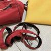 バッグは私には消耗品 軽いサコッシュに交換
