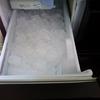 冷蔵庫の自動製氷機を掃除したら氷が美味しくなった!