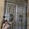ルーブル美術館♪金属の豪華扉と顔の天井♪ハネムーン旅行記♪