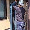 コンクリート造、鉄骨造などの建物の窓は、サッシ職人さんによる取付によって、品質確保されているんです!