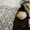 【オフショルダーの半袖トップ】レース生地のダーツ作り、スカラップ縫い付け。手縫い工程が多い