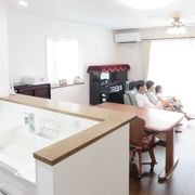 収納と生活動線のこだわりが光る、二世帯がゆったりと心地よく暮らせる家