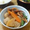 今日の食べ物 朝食に烏賊と里芋と大根の煮物