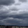 フォークリフト作業中の雷雨