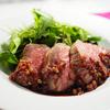 【低温調理】厚切りローストビーフ 赤ワインと金山寺味噌のソース