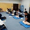 塾の先生の心臓マッサージと人工呼吸。