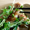 【節約レシピ!】フライパンひとつでできる、鶏胸肉と豆苗の甘酢あんかけ