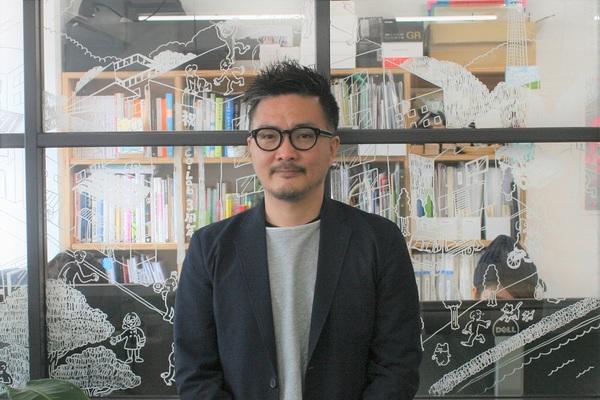 「居心地が悪かった地元」が、伸び伸び活躍できる場所に。東京と茨城の二拠点で働くデザイナー 鈴木潤さんに聞いた、「地方で自分を生かす方法」