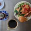 5/14(木)パンとウインナーとサラダ、豚肉とかきたま汁と炊き込みご飯