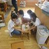 4年生:図工室でコリントゲームづくり