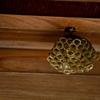 蜂がベランダにハチの巣を作りかけていた時の対処方法