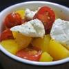プチトマトと黄桃、パイナップルクリームチーズのサラダ