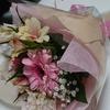 【花を贈られる】と女性はうれしいものです。花言葉も添えてプレゼントすれば粋かも。