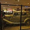 州境のカジノに展示中 映画にもなったあの車(プリム)