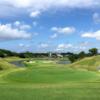 冬は沖縄でゴルフ旅行しよう! (5)ローカルゴルフ場と国際色豊かな飲み屋街が集まる「沖縄中部ゴルフ合宿」の楽しみ方