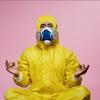 ウートフ徴候のある人間がタイベック(防護服)を着ると痺れで地獄を見るというお話。高温多湿だと常人病人関係なく死ねるのでリスク管理しないと命取り!。