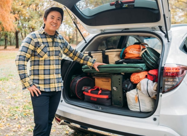 キャンプで荷物が多くても安心! 車載テクとアドバンスドルームミラーで快適なドライブを