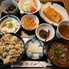 白山市白峰の白峰温泉総湯近くにある菜さいで、白山百膳じげ御膳。