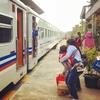 【インドネシア】現地の結婚式に招かれる!ジョグジャカルタまでぶらり旅。その①。