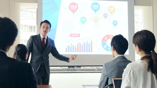 投資セミナーに参加するメリットやデメリット!怪しいセミナーを回避するポイントは?