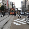 松山市内電車、3つの松山駅、日本唯一の鉄道線と軌道線の交差 と ダイワロイネットホテル松山に宿泊