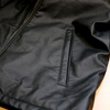 ゲットしたユニクロのライダースジャケットを速攻で洗濯したら、革らしさが出ていい感じになった。