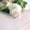 婚約指輪と結婚指輪、日常で重ね付けしますか?
