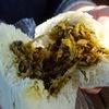 ドライブで小腹がすいたときに最適のおやつ 道の駅「小石原」の高菜饅頭