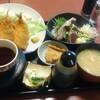 日暮里【たらく】かつおたたき・あじフライ定食 ¥850