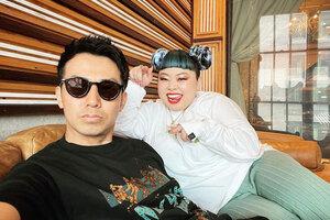 綾部祐二、ニューヨークにて渡辺直美と再会!仲睦まじいツーショットにファン歓喜