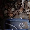 屑薪の補充 無くなることは好いこと Refilling waste wood