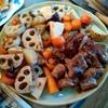 幸運な病のレシピ( 2600)昼:揚げ物(干し大根・なめこかき揚げ・のど黒フライ・)、鳥の網焼き、肩ブロック焼き、根菜のソテー