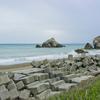 いろんなタイプの岩が主張してくる『日出の石門』
