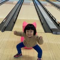 【スザンヌの妹マーガリンの子育てブログ】家族で初めてのボーリング‼️勝者はだーれだ😍