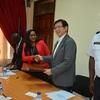 日本政府リベリア大統領選挙において選挙治安費用として1億2,800万円の無償資金協力に書面交換