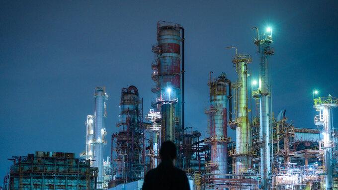 【三重】SF映画のような世界観!個性豊かな四日市の工場夜景旅