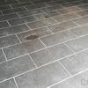 残念! 高圧洗浄機でもタイルのコンクリート汚れが落ちなかった!