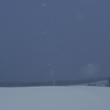 雪降る野に鐘の音が響き