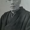 焼け野原での墓参り ―宮崎甚左衛門の孝心―
