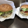 北海道お勧めの巨大ハンバーガーを食べてきた