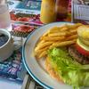 United Seamen's Service YOKOHAMA でハンバーガー